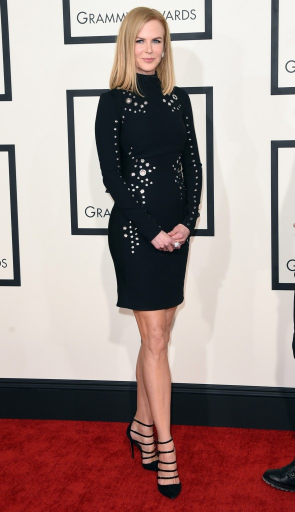 http://nymag.com/thecut/2015/02/see-all-the-2015-grammys-red-carpet-looks/slideshow/2015/02/08/see_all_the_2015grammysred-carpetlooks/463019048/