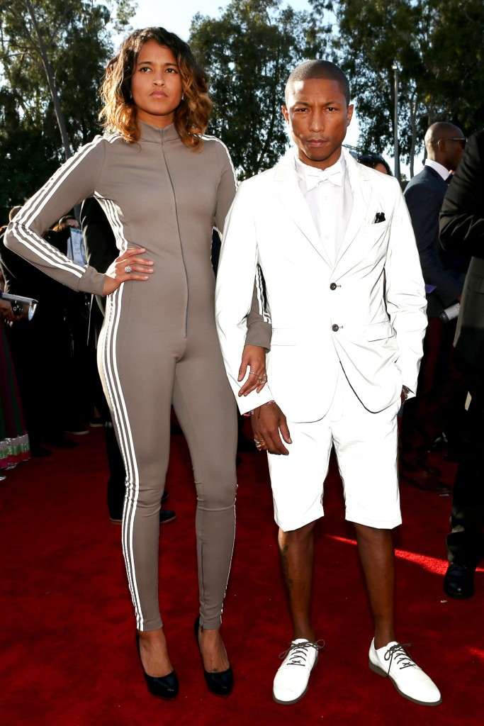 http://nymag.com/thecut/2015/02/see-all-the-2015-grammys-red-carpet-looks/slideshow/2015/02/08/see_all_the_2015grammysred-carpetlooks/463012592/
