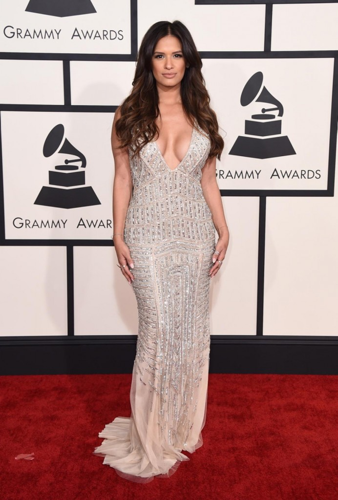 http://www.nydailynews.com/entertainment/grammys-2015-best-worst-red-carpet-gallery-1.2107592?pmSlide=1.2108076