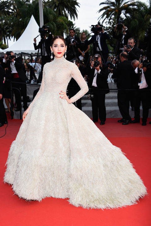http://www.harpersbazaar.com/celebrity/red-carpet-dresses/g5699/cannes-fashion-2015/?slide=35