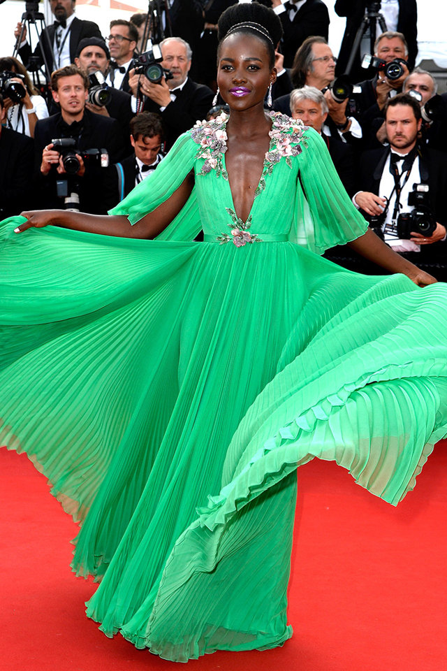 http://www.fustany.com/en/fashion/celebrity-style/lupita-nyongo-in-gucci-at-the-2015-cannes-film-festival#/scattered/1