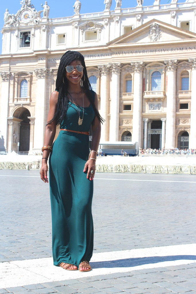 Vatican City, St. Peter's Square, St. Peter's Basilica, Architecture, Ancient Architecture, Rome, Italy, Beautiful, Blogger, Black Blogger, DC Blogger, The Style Perk, Kasi Perkins, Natural Hair, Travel, Travel Blogger