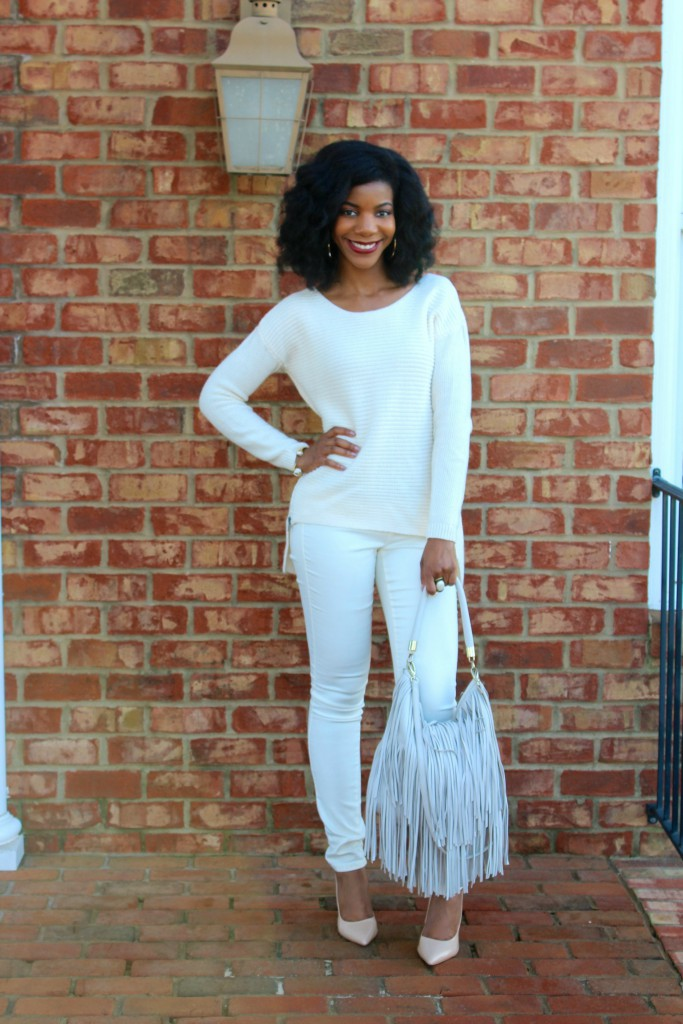 kasi perkins, winter white outfit, white sweater, white pants, nude pumps, fringe purse