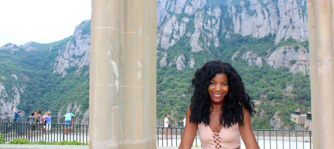 Barcelona Travel Style: Nude Bodysuit + Olive High Waist Shorts