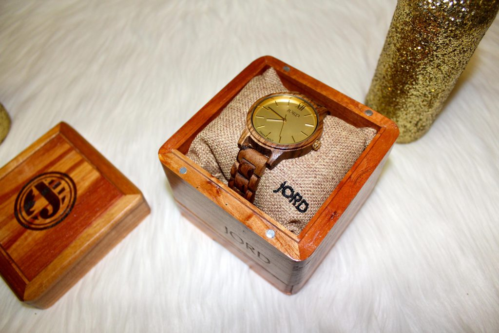 jordwatch, woodwatch, giftforhim, giftforher, holiday2016, Jord watch, giveaway, gift for him, gift for her, holiday, 2016, woodwatch