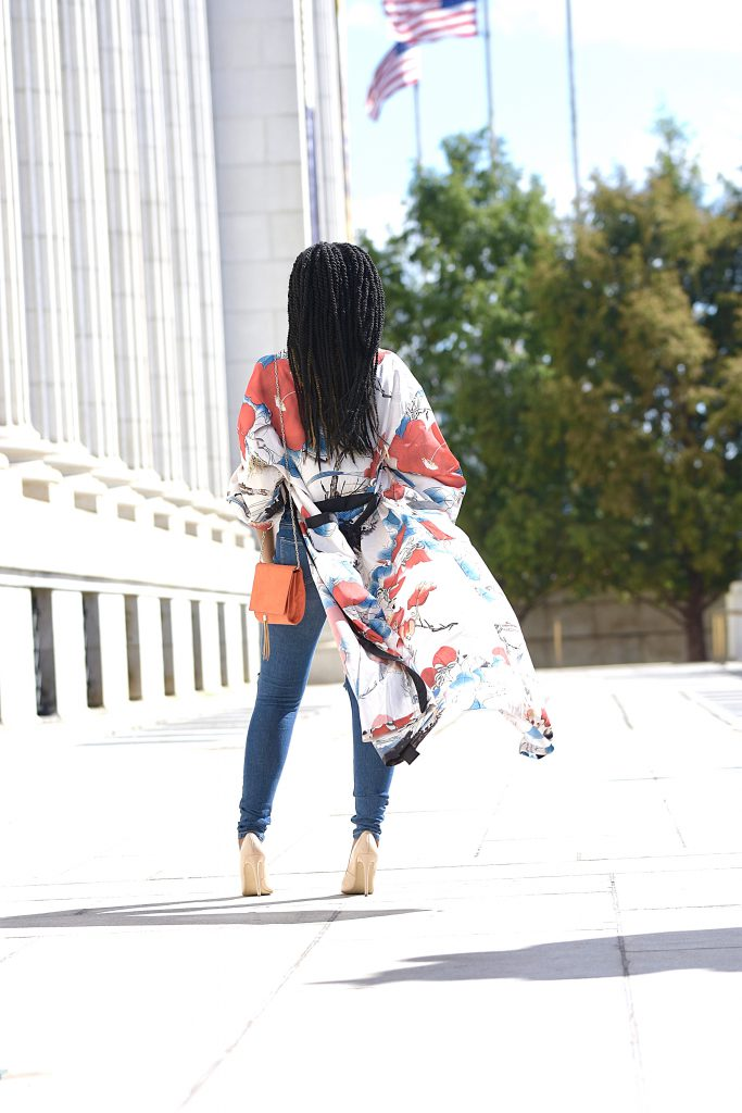 SheIn Calico Print Contrast Trim Belted Maxi Kimono, Olive Green Tank Top, Distressed Knee Jeans, Classic Nude Pumps