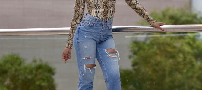 Fall/Winter Style: Snakeprint High Neck Top + Ripped Highwaist Mom Jeans