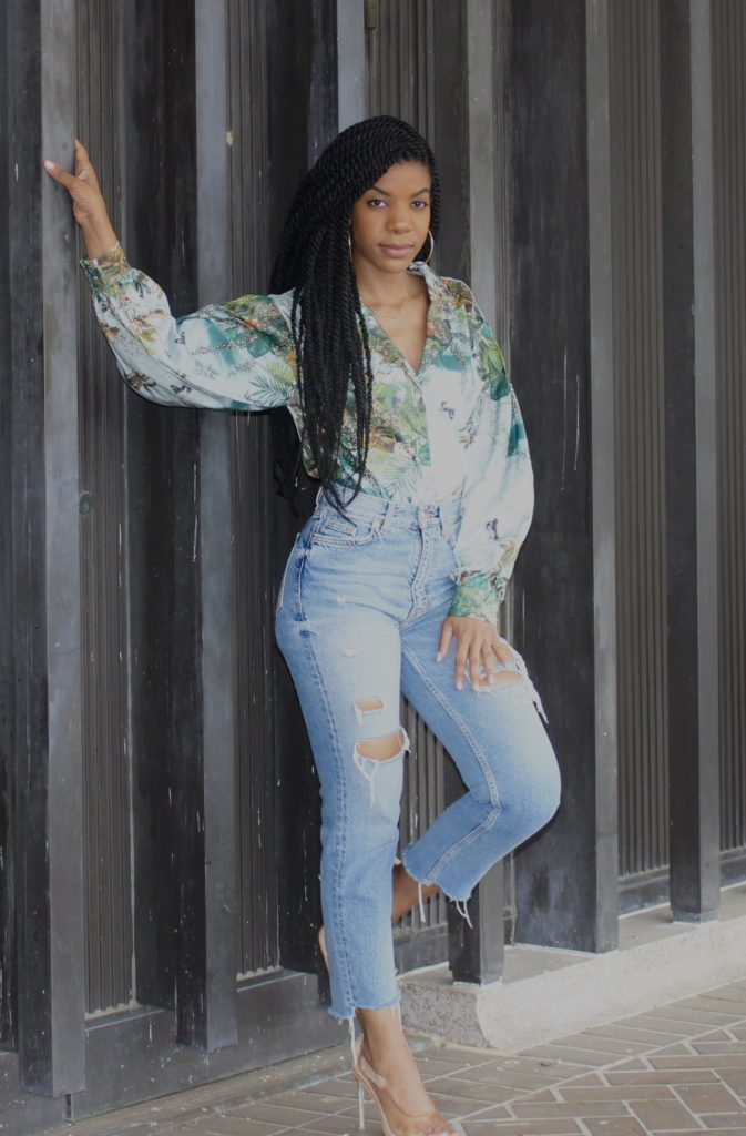 SHEIN Tropical Print Bishop Sleeve Lapel Neck Blouse, H&M Ripped Denim Mom Jeans, Simmi Clear Pumps